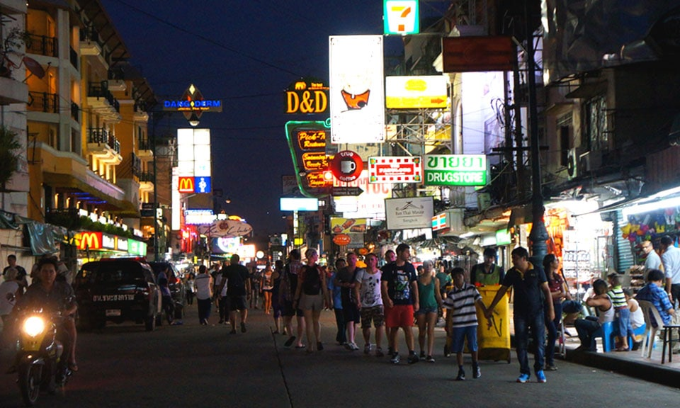Bangkoks famous nightlife at Khao San Road
