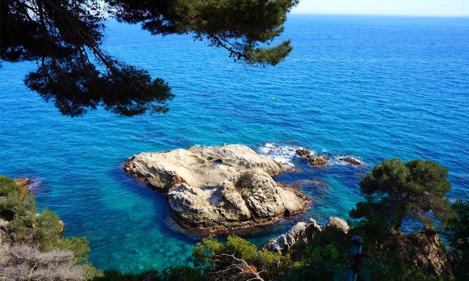 Santa-Clotilde-Cliff