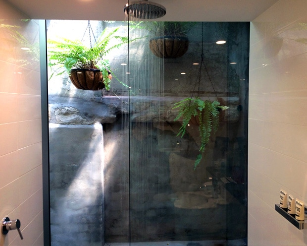 Ovolo1888 Darling Harbour Deluxe King Shower