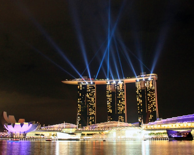 Full Light and Water Show Marina Bay Singapore